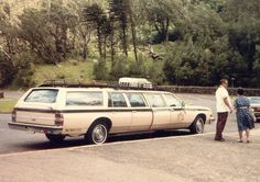 Airport limo, 1985