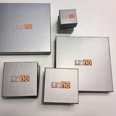 @uni10_edelsmid 🤗🤗🤗 Eindelijk....! na zoveel jaren doosjes met ons eigen logo!! . #Enschede #Haverstraatpassage
