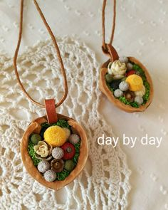 Design Crafts, Dried Flowers, Handicraft, Art Drawings, Christmas Ornaments, Clay Crafts, Holiday Decor, How To Make, Handmade