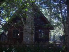 Lichgate tallahassee | This is the hand-built haven, Lichgate Cottage, of author & classics ...