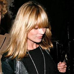 Kate Moss's new look: Blonde bombshell with a so-trendy fringe kate moss bangs Hairstyles With Bangs, Straight Hairstyles, Kate Moss Hair, Medium Hair Styles, Curly Hair Styles, Perfect Blonde Hair, Mid Length Hair, Good Hair Day, Hair Lengths