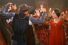 """1968 Romeo and Juliet by Franco Zeffirelli Articles - History about the 1968 Romeo & Juliet film, and the """"Moresca"""" or """"Morris Dance"""" - Fanpop"""