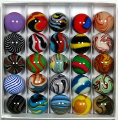 Love marbles.  Love polymer clay.  These are too cool:   25 Vintage Peltier & Christensen Marble Replicas Handmade 100% Polymer Clay Marbles by Carl Fisher #polymer_clay #marbles