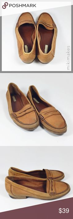 """🆕 ZARA • tan loafers buttery soft leather • leather loafers from Zara • the softest shoes you will ever put on your feet • there are signs of wear (see photos) but can be refurbished • nice tan color with dark brown contrast stitching  100% leather  Heel height= .75"""" Shoe height= 3""""  • Feel free to ask any questions • Sorry, no trades  ❤️ @mikimakes Zara Shoes Flats & Loafers"""