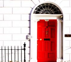 Love the Red door! Would totally have this on the out side of the bakery!