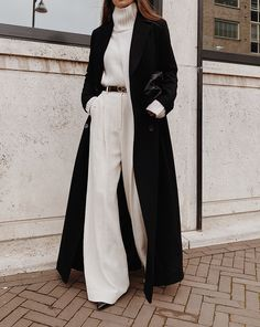 Long and Oversized StyleIn Long Coat , Moia Ivory Turtleneck Jumper , Kindersalmon Ivory Wide leg Trousers , Gia Studios Bag Winter Fashion Outfits, Look Fashion, Winter Outfits, Fashion Coat, Fashion Black, Winter Office Outfit, Elegance Fashion, Ootd Winter, Winter Chic