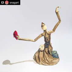 Face Stealer (first version with extra long arms made at SNAG).    #Repost @snagart  Joseph Wu @joseph_wu_origami  #vancouverart #Vancouverarts #craft #paper #origami #sculptural #figurative #artist #Vancouver #art #yvr #josephwu #snagart by Joseph Wu Origami