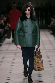 A look from the Burberry Prorsum Fall 2015 Menswear collection.