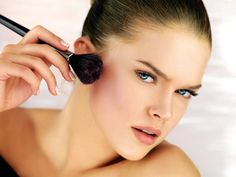 Makeup Goods A Female Over thirty Can not Reside With out | Make Up