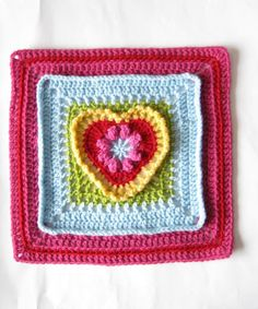 crochet granny heart square pattern for free on ravelry. I might learn to make all different granny squares and combine them into a blanket. Crochet Square Pattern, Crochet Blocks, Square Patterns, Crochet Squares, Granny Squares, Crochet Motif, Crochet Stitches, Crochet Patterns, Grannies Crochet