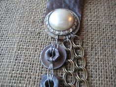 Upcycled Vintage collana perle finte Steampunk di AnikaDesigns