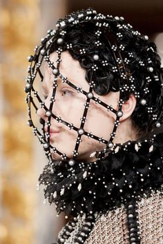 Alexander McQueen Fall 2013 RTW (Fashion on TheCut)