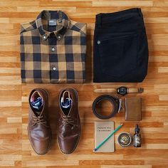 Outfit grid - Checked shirt & black jeans (i'm nost awesome) Mode Masculine, Fashion Mode, Mens Fashion, Fashion Trends, Trendy Fashion, Boho Fashion, Fashion Design, Bottes Red Wing, Stylish Men