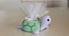 La mia tartaruga all'uncinetto portaconfetti; adatta come bomboniera per battesimo o comunione o semplicemente compleanno, da regalare ...