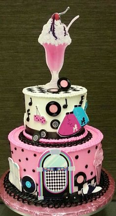 Sock hop cake ---- makes me want to get out my pink circle skirt!