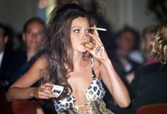 Carla Bruni in Versace 1992 Carla Bruni, 90s Models, Insta Models, 90s Fashion, Fashion Models, Fashion 2020, Style Fashion, Italian Fashion Designers, Gianni Versace