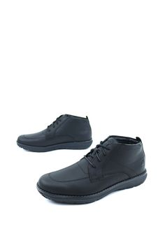 Style and comfort come together flawlessly in the Timberland Barrett Park Chukka Boot. Mens Brogue Boots, Chukka Boot, Brogues, Black Timberlands, Cotton Lace, Oxford Shoes, Dress Shoes, Park, Style