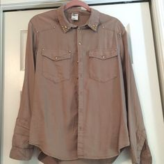 H&M Pink with Gold Studded Oxford Type Shirt Sz 10 Pale rose colored shirt worn a few times. Sniff and comfortable. Cute gold studs for trim and buttons. Smoke free home. H&M Tops Button Down Shirts