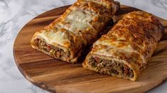 Arda'nın Mutfağı Kıymalı Rulo Börek Tarifi 04.05.2019 Diet And Nutrition, Meatloaf, Food And Drink, Cake, Crochet Motif, Recipe, Essen, Kuchen, Torte