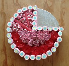 Baby cradle sweetie cake in pink. Baby shower ideas