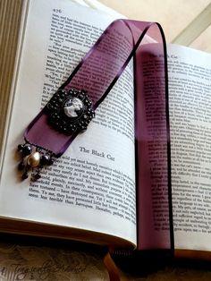 Algodão Tão Doce: LIVROS !!! Amar a leitura é trocar horas de fastio por...