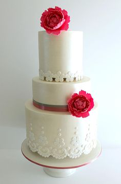 18 Fabulous Bridal Gown Inspired Wedding Cakes ~ we ♥ this! moncheribridals.com