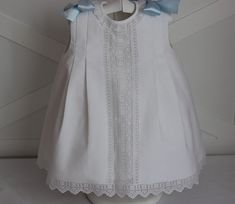 Patron de faldon bebé - Imagui Cute Outfits For Kids, Toddler Outfits, Little Girl Dresses, Girls Dresses, Smocked Baby Dresses, Baby Couture, Christening Gowns, Heirloom Sewing, Baby Sewing