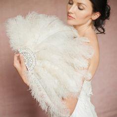 Chia bridal wedding ostrich feather fan by Britten (460x460)
