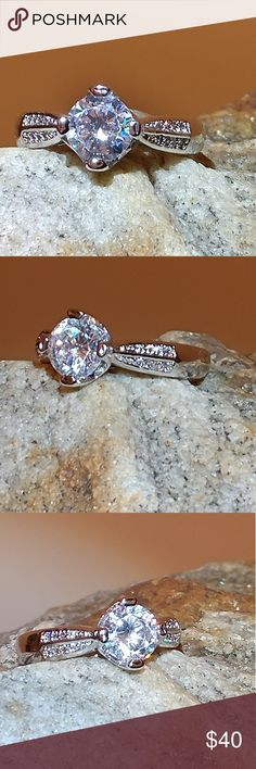Woman's ring 18K white gold filled cubic zirconia ladies ring size 8 Jewelry Rings