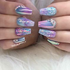 ▷ 1001 + ideas for nail designs suitable for every nail shape unicorn manicure, colourful chrome nail polishes, rhinestones on the nails, manicure ideas, short coffin nails # Nails Yellow, Pink Nails, Purple Chrome Nails, Gorgeous Nails, Pretty Nails, Nail Art Designs, Chrome Nails Designs, Hair And Nails, My Nails