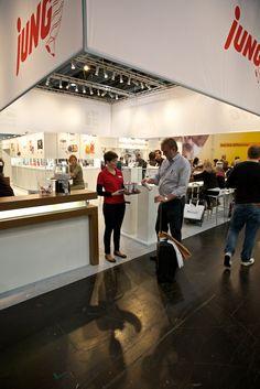 Da gibt's immer was Leckeres - Messestand der Jung Bonbonfabrik auf der 51. PSI vom 09. - 11. Januar auf dem Messegelände in Düsseldorf