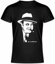 Coolové tričko s krátkym rukávom - Al Capone, ktoré musí mať zaručene každý milovník tohto tajuplného človeka. Kvalitný materiál 100% bavlna zaručuje pohodlné nosenie. Toto tričko je dostupné vo viacerých farbách a veľkostiach.