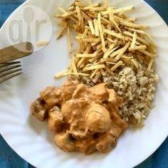 Estrogonofe vegano @ allrecipes.com.br - O segredo é fazer o molho com alguns elementos presentes no tradicional molho inglês.