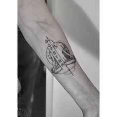 #tattoocommunity #tattooed #tattoos #tattrx #equilattera #tattoo #tattootime #tattoogram #instahunig #instattoos #instatattoo #yoga #yogi #chakra #chakras #chakratattoo #armtattoo #geometrictattoo #geometric #blacktattoo #monochrome #monochrometattoo #dotworktattoo #dotwork #tattoohungary #hungarytattoo #tattoobudapest #budapesttattoo #wonderlandtattoobp