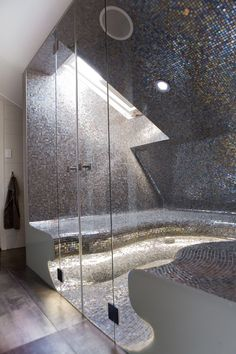 Glass Bathroom - Modern
