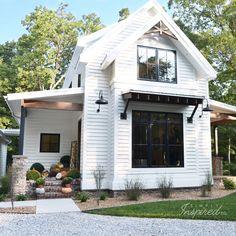 Home decor. home decor farmhouse remodel Farmhouse Landscaping, Modern Farmhouse Exterior, Br House, Farmhouse Remodel, House Goals, Architecture, House Colors, My Dream Home, Exterior Design