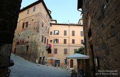 L'erta di Via Monna Agnese - Foto de Il Tesoro di Siena su https://www.flickr.com/photos/iltesorodisiena/14827086945/ - #Siena #Toscana #ViaMonnaAgnese