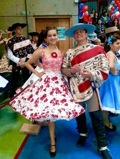 Chilenos cueca Dance Dresses, Girls Dresses, Marie, Free Pattern, Culture, Womens Fashion, Petticoats, Ely, Vintage
