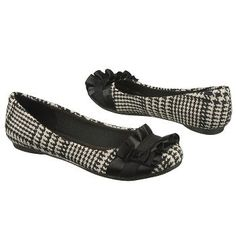 Fergalicious Alana Houndstooth flats...I just bought these and love them! Super cute with capris or jeans!