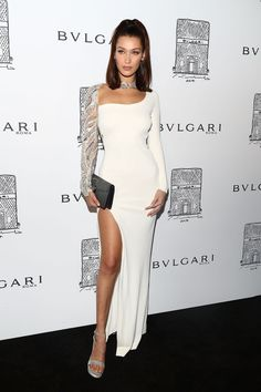 Bella Hadid's Affordable Winter-Storm-Ready Jacket Is Still Available – Expolore the best and the special ideas about Red carpet dresses Glam Dresses, Red Carpet Dresses, Dresses For Teens, Nice Dresses, Dresses Online, Bella Hadid Outfits, Bella Hadid Style, Bella Hadid Red Carpet, Looks Chic