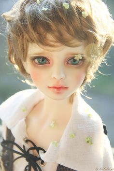 untitled by krokodil_gu on Flickr.Happy Faceup Fridays! [Volks School A]