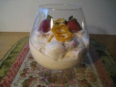 Romanovin mansikat - täydellinen kesäjälkiruoka Mango, Pudding, Baking, Desserts, Food, Manga, Tailgate Desserts, Deserts, Custard Pudding