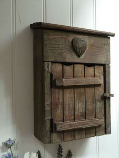 Shabby Chic Vintage Style Rustic Wooden Key Cupboard Cabinet Hooks Storage  Unit