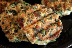 Spinach Feta Turkey Burgers 1 lb lean ground turkey (at least 90%) 1 cup (80g) Old Fashioned Oats 2 large egg whites 10 oz frozen chopped spinach 1/2 cup (68g) ATHENOS crumbles feta