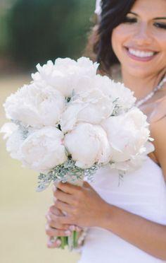Wedding bouquet idea; Featured Photographer: Pasha Belman Photography