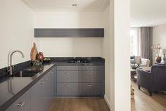 landelijke keuken arma keukens Kitchen Cabinets, Home Decor, Kitchen Cupboards, Homemade Home Decor, Decoration Home, Kitchen Shelves, Interior Decorating