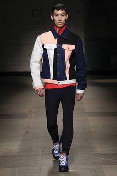 See the complete Christopher Shannon Fall 2017 Menswear collection.