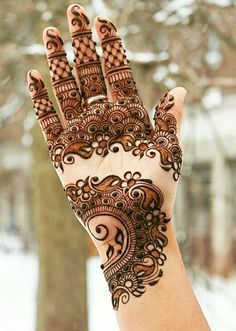 Beautiful Mehndi Design - Browse thousand of beautiful mehndi desings for your hands and feet. Here you will be find best mehndi design for every place and occastion. Quickly save your favorite Mehendi design images and pictures on the HappyShappy app. Mehndi Patterns, Arabic Mehndi Designs, Latest Mehndi Designs, Bridal Mehndi Designs, Henna Tattoo Designs, Bridal Henna, Arabic Design, Henna Tatoos, Henna Mehndi