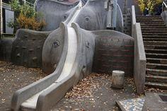 妙にリアルな象の滑り台がある公園「あかぎ児童遊園」