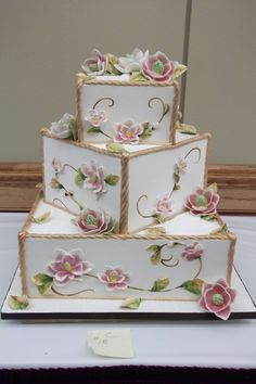 wedding cakes creative What a gorgeous cake. us for more stunning wedding (cake) inspiration and well back. Beautiful Wedding Cakes, Gorgeous Cakes, Pretty Cakes, Cute Cakes, Amazing Cakes, Square Wedding Cakes, Wedding Cake Designs, Square Cakes, Unique Cakes